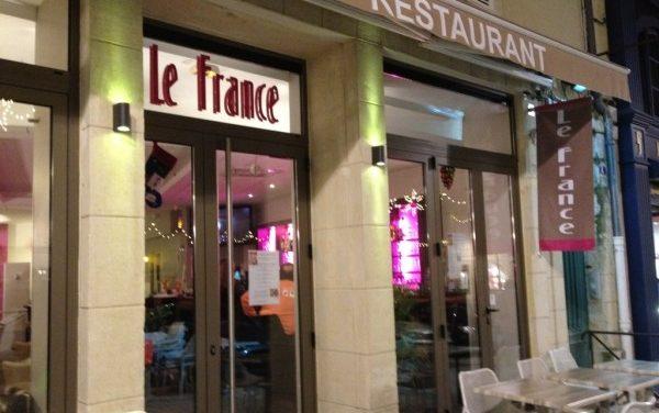 Enseigne Free-Com Auch pour la réfection du Café : Le France
